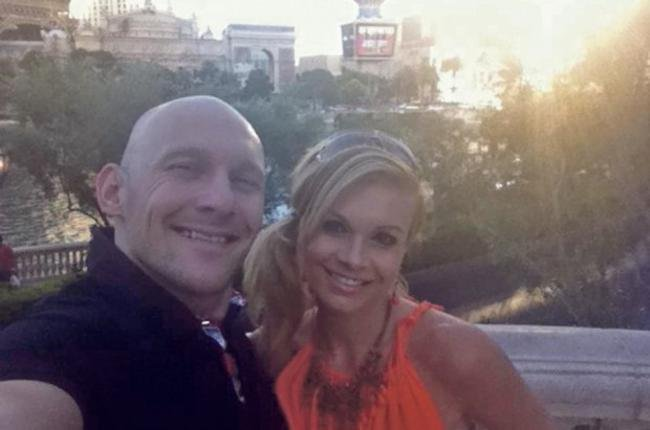 Thomas Gravesen with his girlfriend Kamila Persse (Facebook)