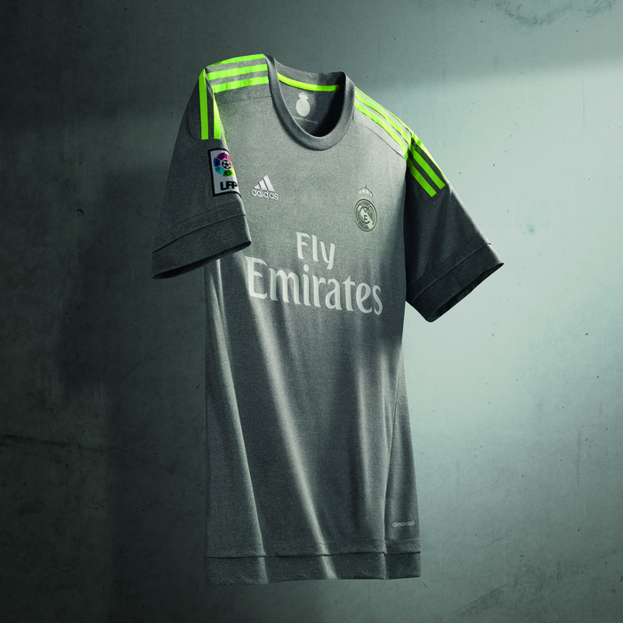 huge selection of 69e02 035b9 Real Madrid's New Away Kit Is Grey And It's Surprisingly ...