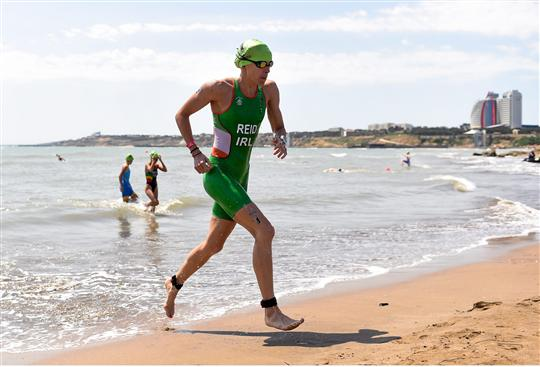 13 June 2015; Aileen Reid, Ireland, during the women's triathlon event. 2015 European Games, Bilgah Beach, Baku, Azerbaijan. Picture credit: Stephen McCarthy / SPORTSFILE