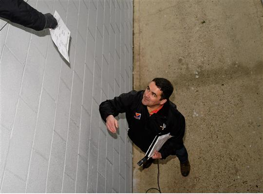 Louth Public Relations Officer, Bob Doherty delivers team sheets ahead of the game. Louth v Meath. Gaelic Grounds, Drogheda