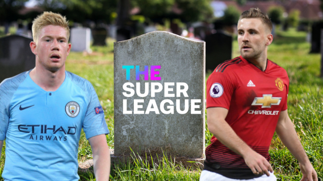 Man City player Kevin de Bruyne and Man United player Luke Shaw, pictured beside an edited gravestone that is inscribed 'The Super League'